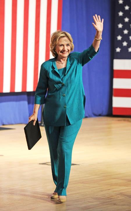 Деловой стиль одежды публичных персон: Хиллари Клинтон