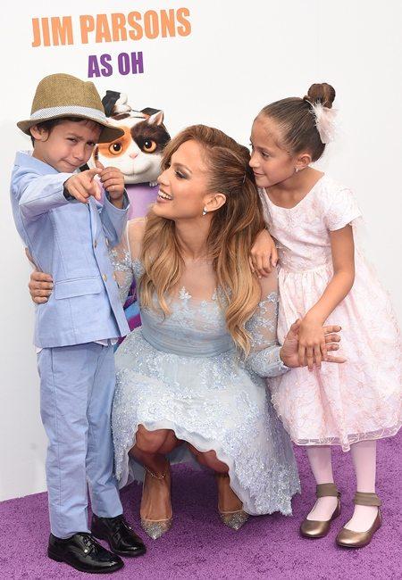 Дженнифер Лопес с семьей: ее дети — Макс и Эмма