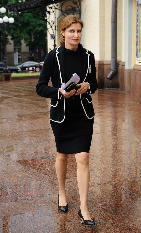 В гардеробе Марины Порошенко преобладает одежда в классическом стиле