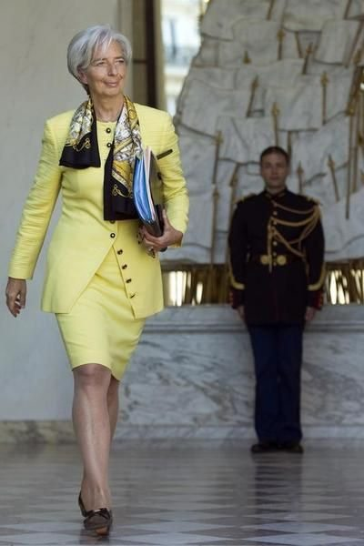Глава МВФ Кристин Лагард в костюме от Chanel
