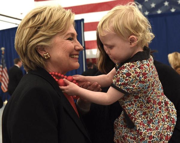 Трансформация стиля Хиллари Клинтон продолжается