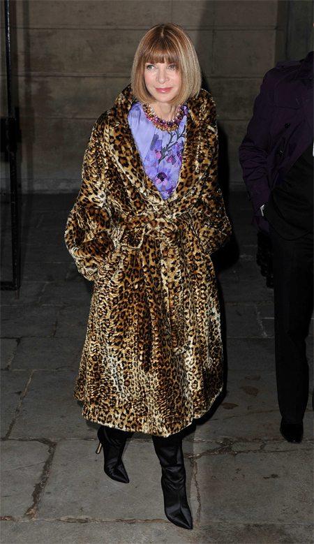 Анна Винтур в леопардовом пальто