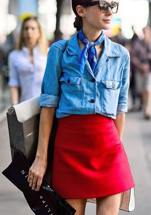 Джинсовая рубашка и мини-юбка