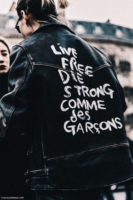 Кожаная куртка-бомбер с надписью