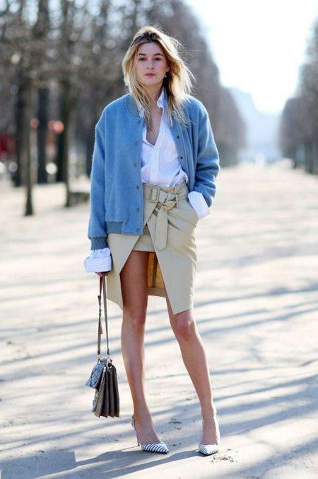 Куртка-бомбер женская голубая