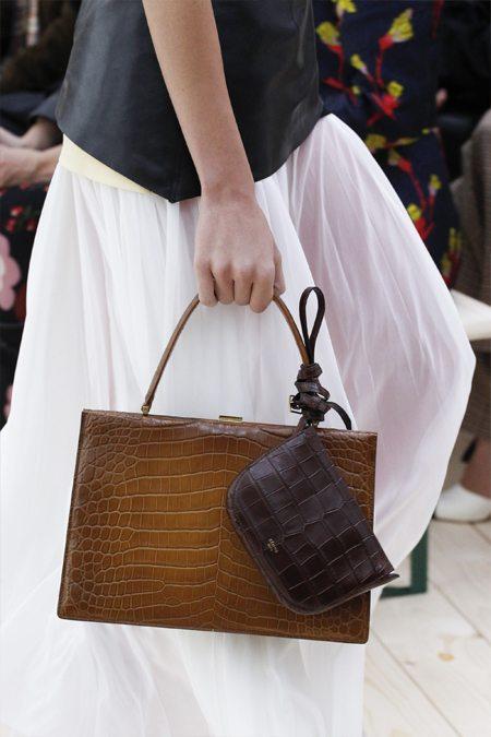 Т.н. Handheld Bag от Celine весна-лето 2017. И еще то ли косметичка, то ли кошелек