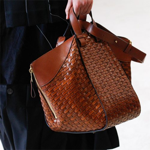 71506fd4229c Модные сумки весна-лето 2017: 8 путешествий Гулливера | Trendy-U