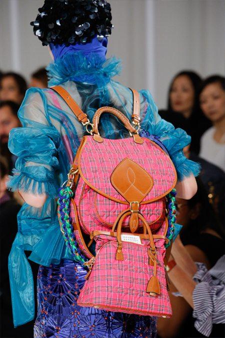 Розовый рюкзак и сумка Maison Margiela для весна и лета 2017