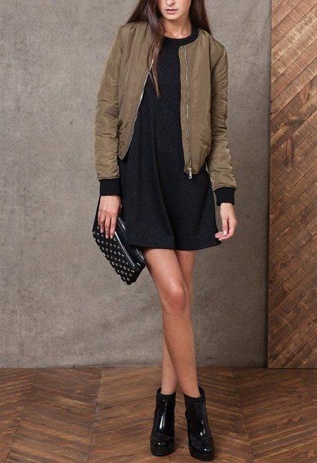 Куртка-бомбер и платье