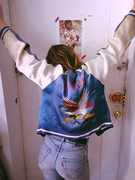 Куртка-бомбер шелковая с вышивкой в китайском стиле