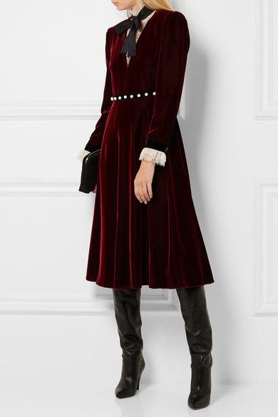 Бархатное платье цвета марсала