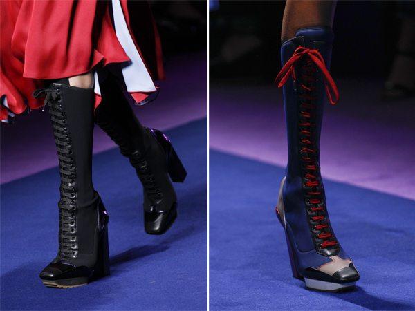Высокие сапоги-чулки на шнуровке весна-2017 от Versace