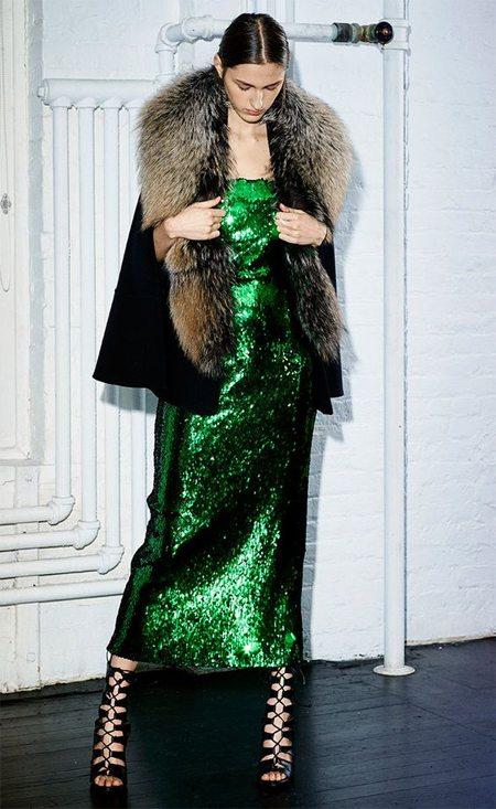 Зеленое платье с пайетками для празднования Нового года 2017