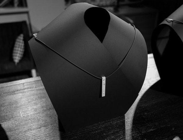 Серебряное ювелирное украшение для мужчин от бренда «Ювелирная кондитерская» в коллаборации с Игорем Пинигиным