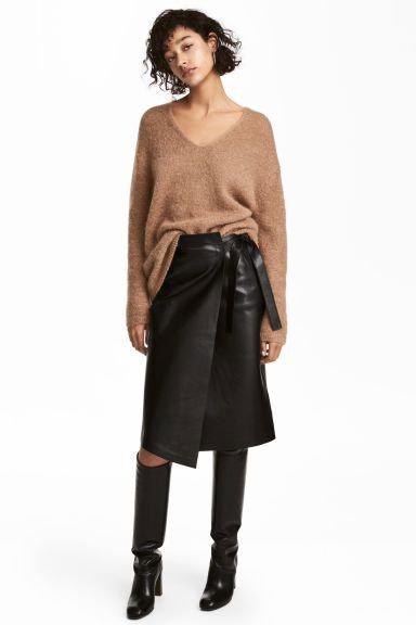 Кожаная юбка% с чем носить в 2020 и 2021