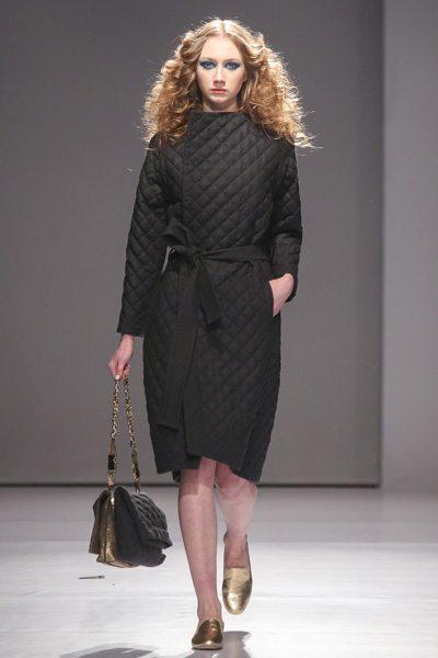 Черное стеганое пальто V by Gres 01 на MBKFD