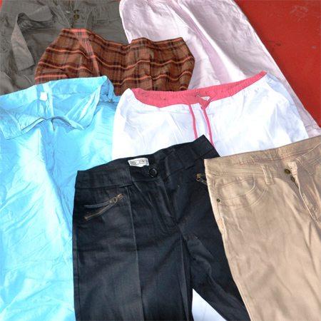 Женские летние брюки по цене € 5,50 за килограмм в оптовом магазине секонд хенд