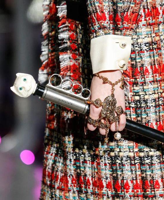 Браслет, плавно переходящий в кольца от Gucci