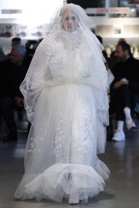Невеста по версии Vetements