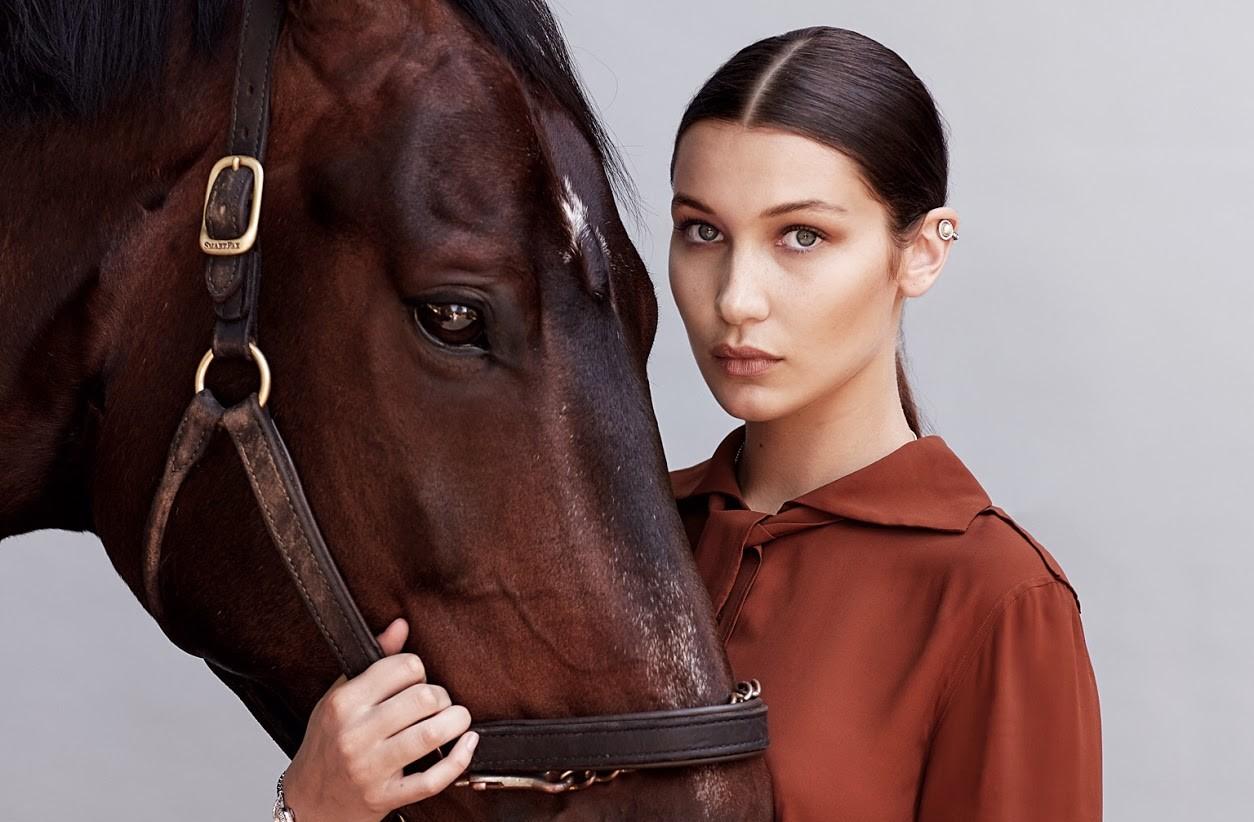 В ранней юности Белла Хадид занималась конным спортом