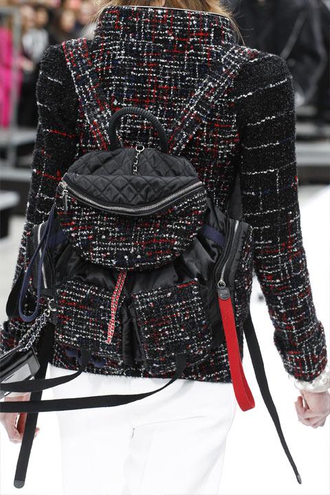 Рюкзак из твида от Chanel осень-зима 2017-2018