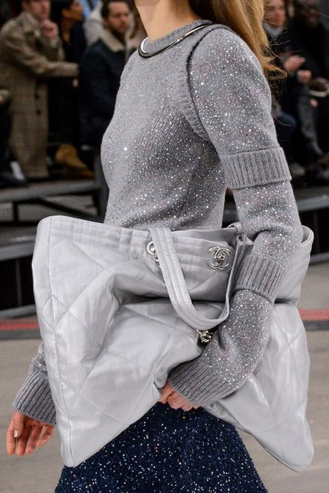 Tote из ткани Chanel осень-зима 2017-2018