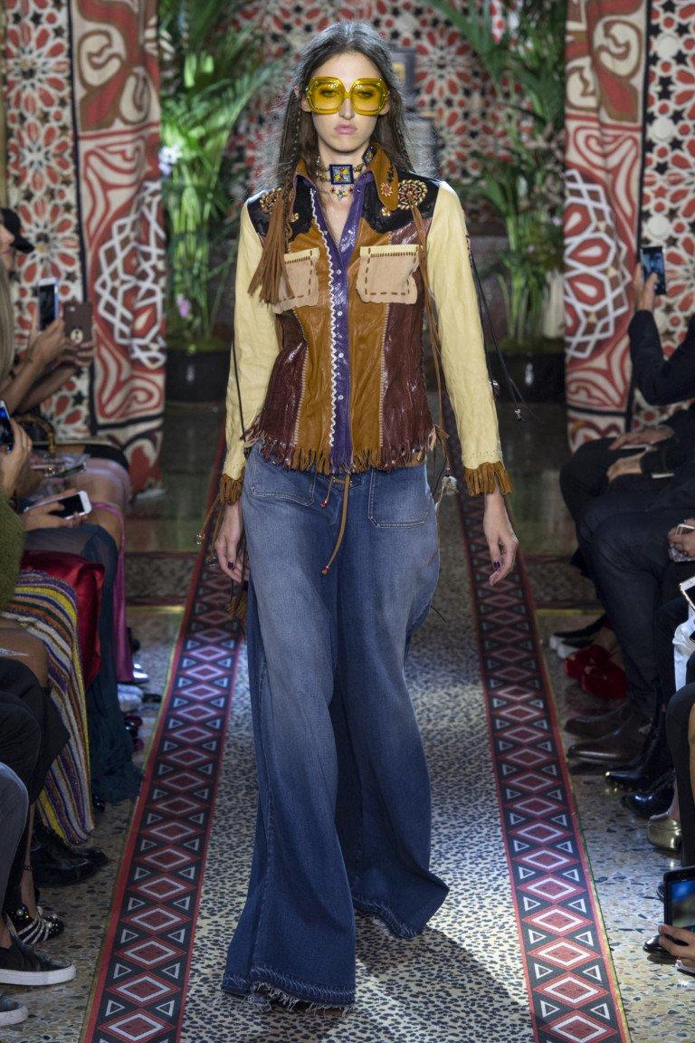 Широкие джинсы из коллекции Roberto Cavalli FW 2017-2018