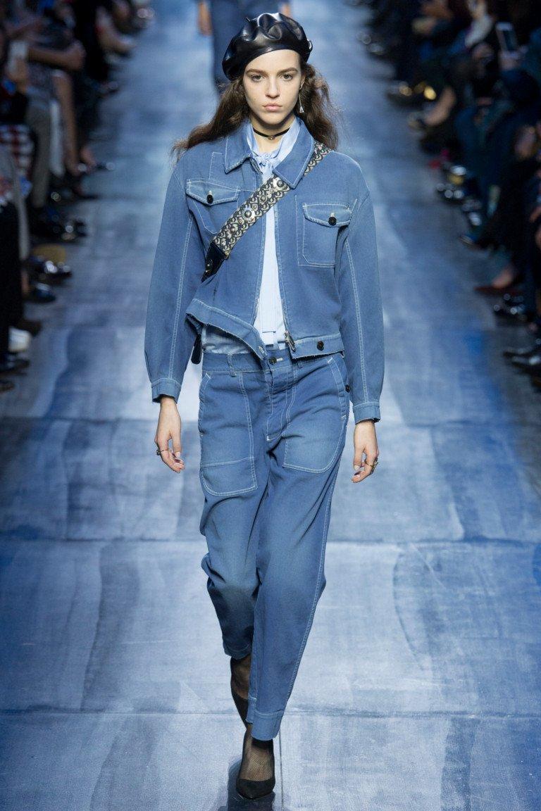 То ли джинсовый, то ли нет, но выглядит очень носибельно