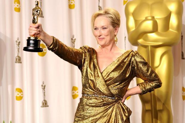 Мерил Стрип в золотом платье