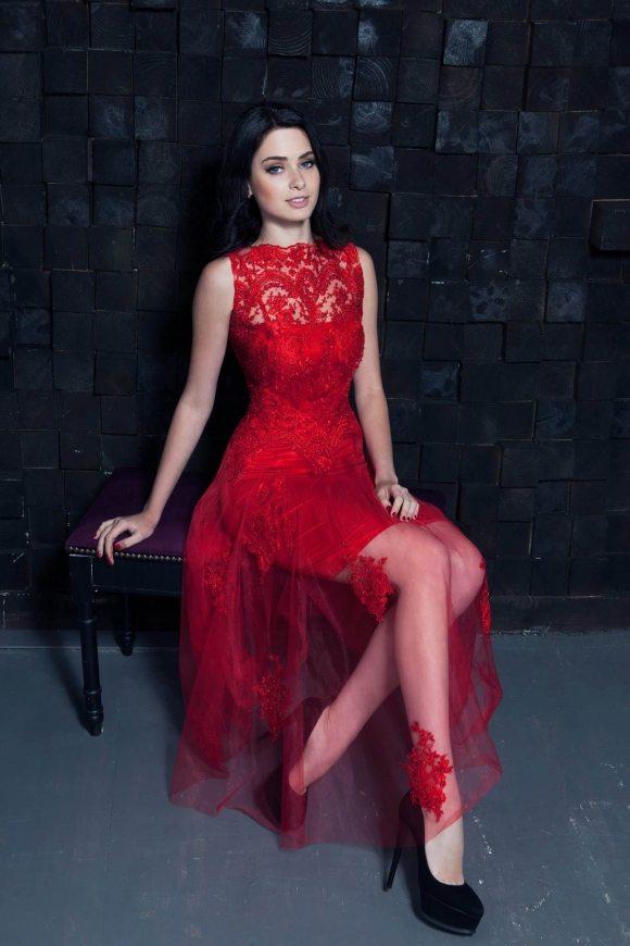 Красное платье от Екатерины Лукашик