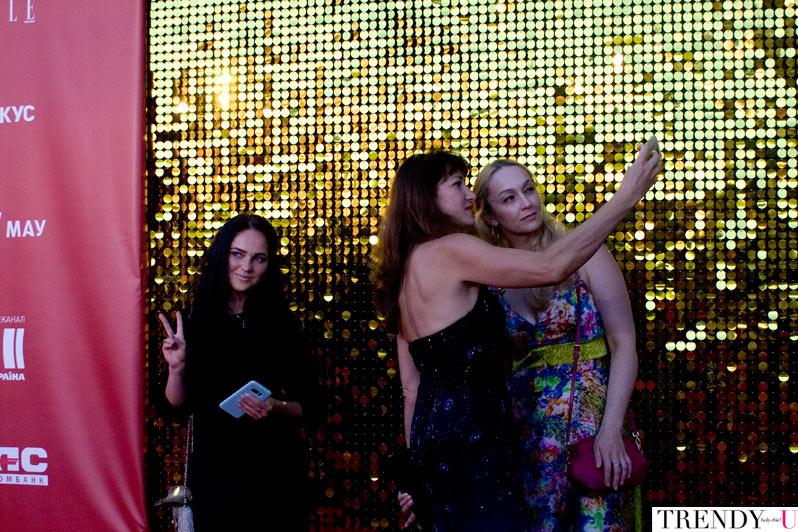 Наряды гостей на открытии Одесского международного кинофестиваля 2017