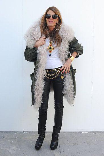 Парка с мехом и джинсы на Анне Делло Руссо