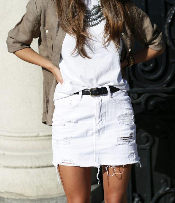 Белая джинсовая юбка - деним снова в тренде