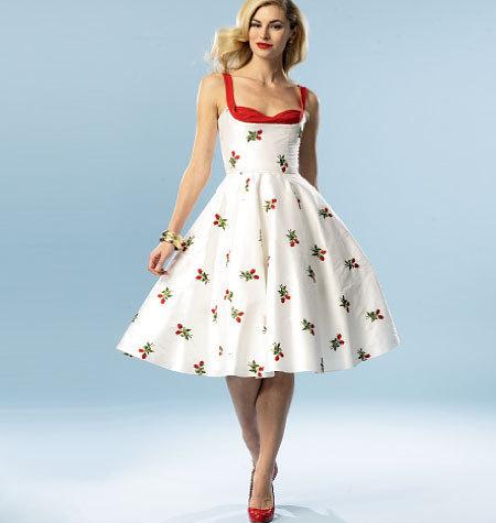 Платье с принтом в виде ягод для образа в пин-ап стиле