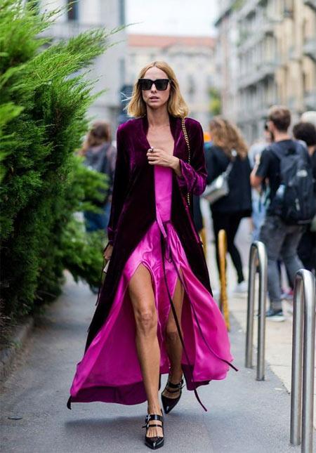 Шелковое длинное платье цвета фуксии