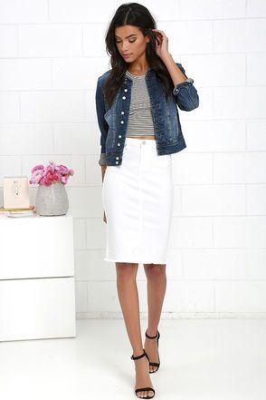 Белая юбка-карандаш и короткая джинсовая куртка