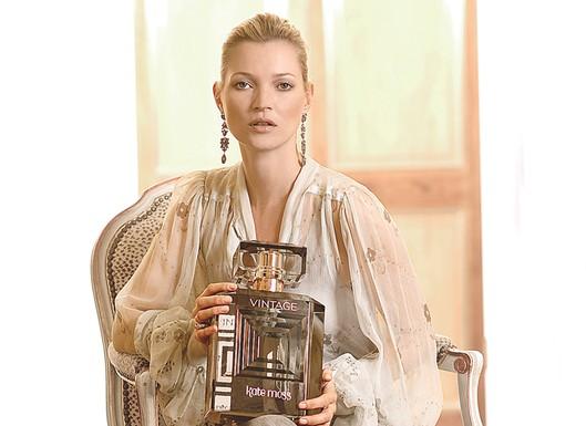 Кейт Мосс в рекламе собственного аромата vintage