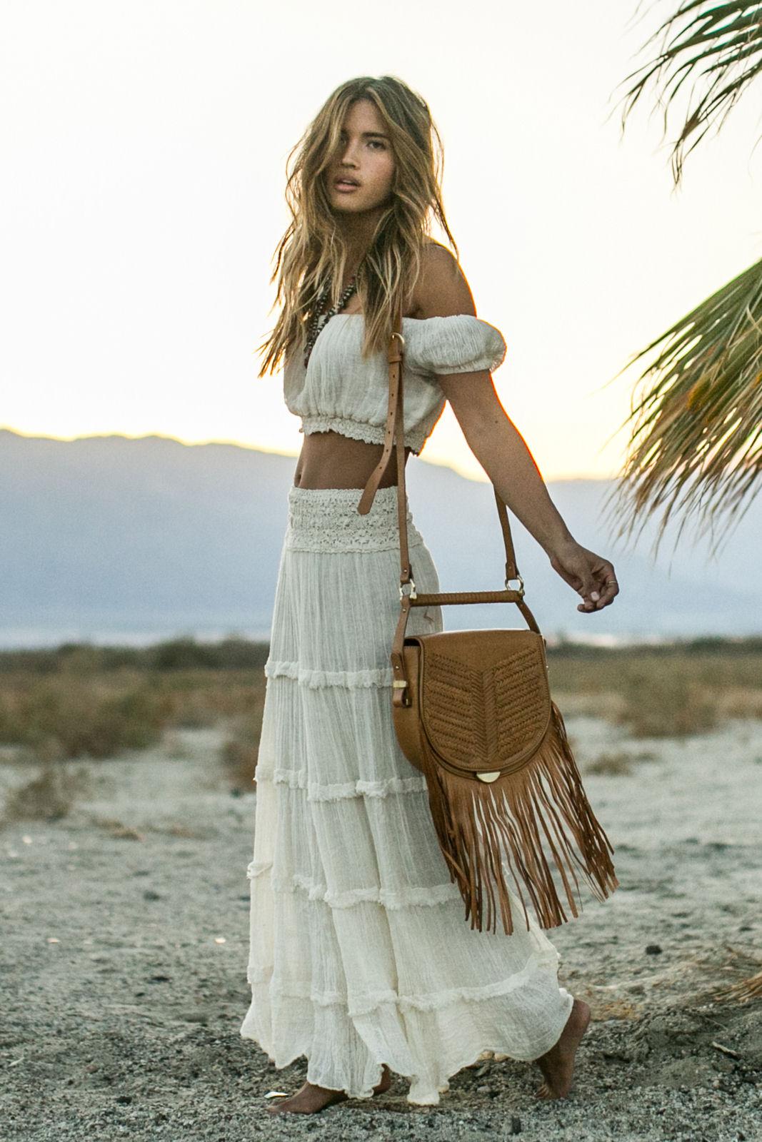 Белая юбка для бохо образа