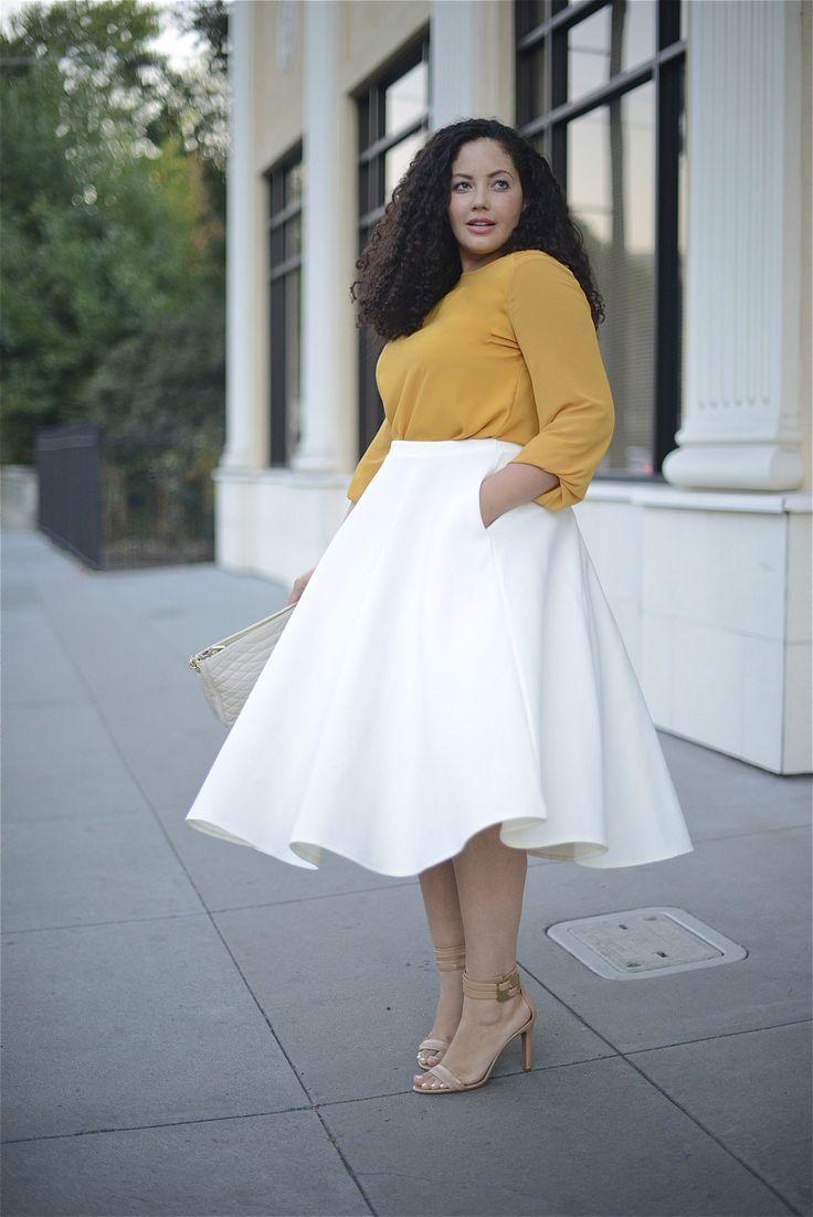 Белая юбка солнце подойдет для любой фигуры