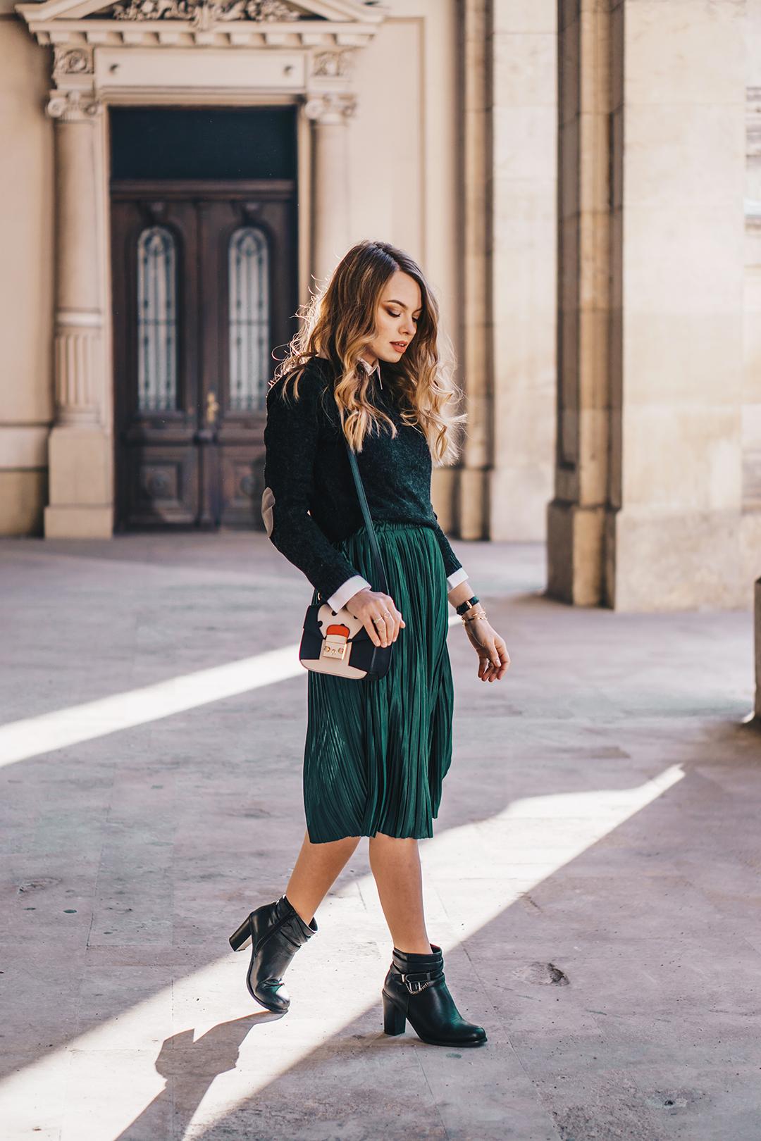 Как носить зеленую юбку весной-осенью