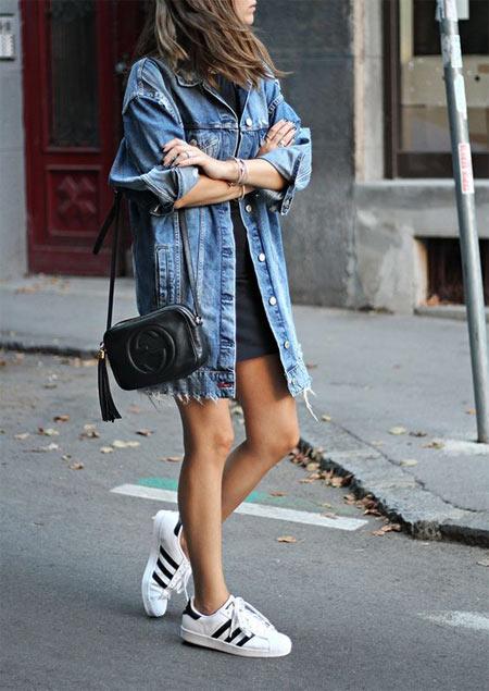 Черное платье + джинсовая куртка оверсайз для учебы