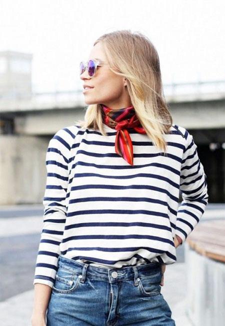 Как одеться на занятия: тельняшка, джинсы, шейный платок