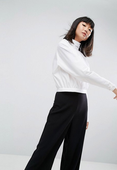 Белая блузка для торжественных случаев