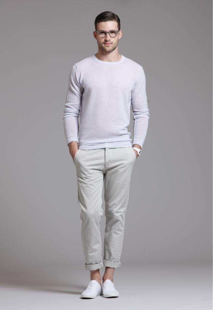 С чем носить белый пуловер / джемпер: total white