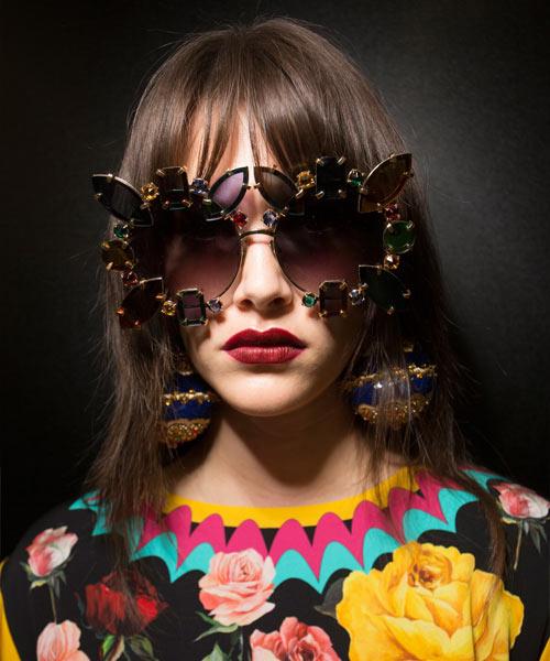 Солнцезащитные очки в оправе из камней из коллекции Dolce & Gabbana весна-лето 2018