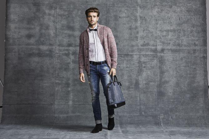 Smart casual для мужчин: любые джинсы, рубашка и кардиган