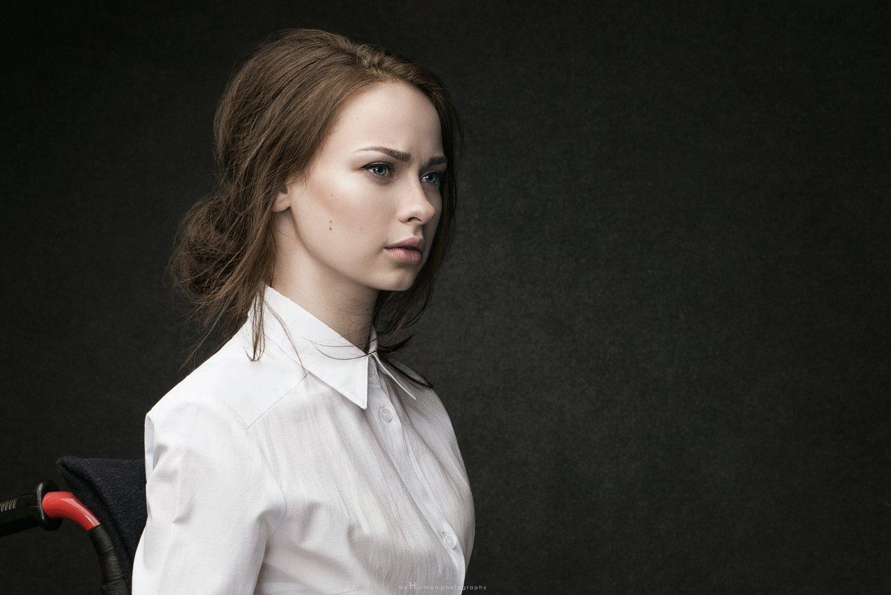 Участница конкурса Miss Wheelchair World Оксана Кононец