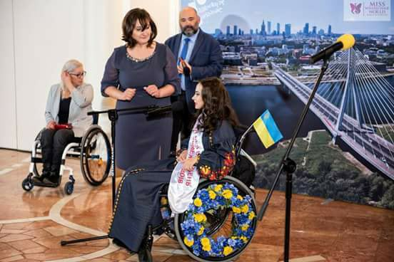 Оксана Кононец на конкурсе Miss Wheelchair World