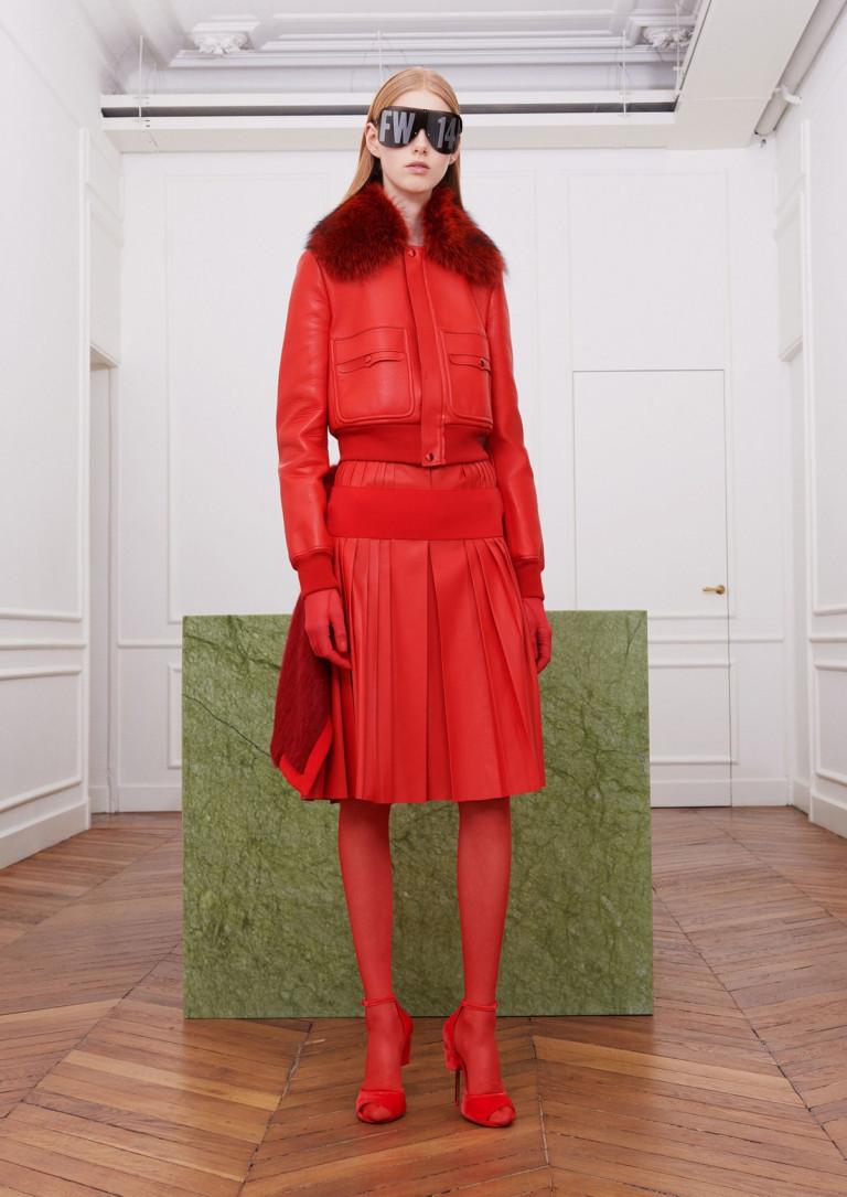 Коллекция Givenchy. Образ Total red