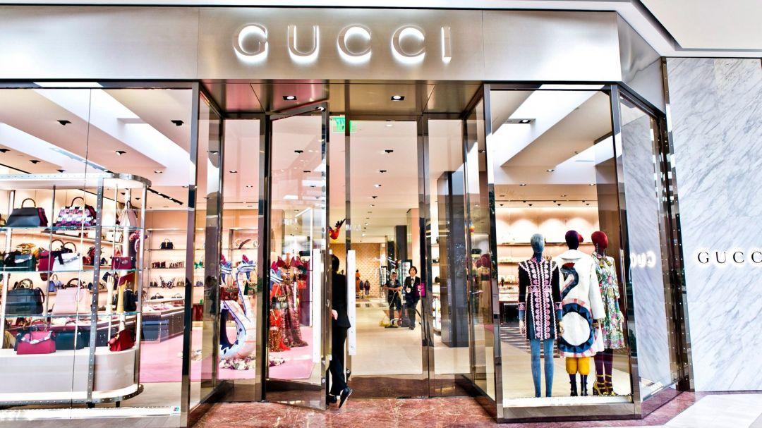 Импровизация на тему челки от Gucci